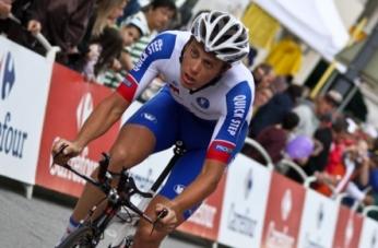El ciclista neerlandes Niki Terpstra se accidenta